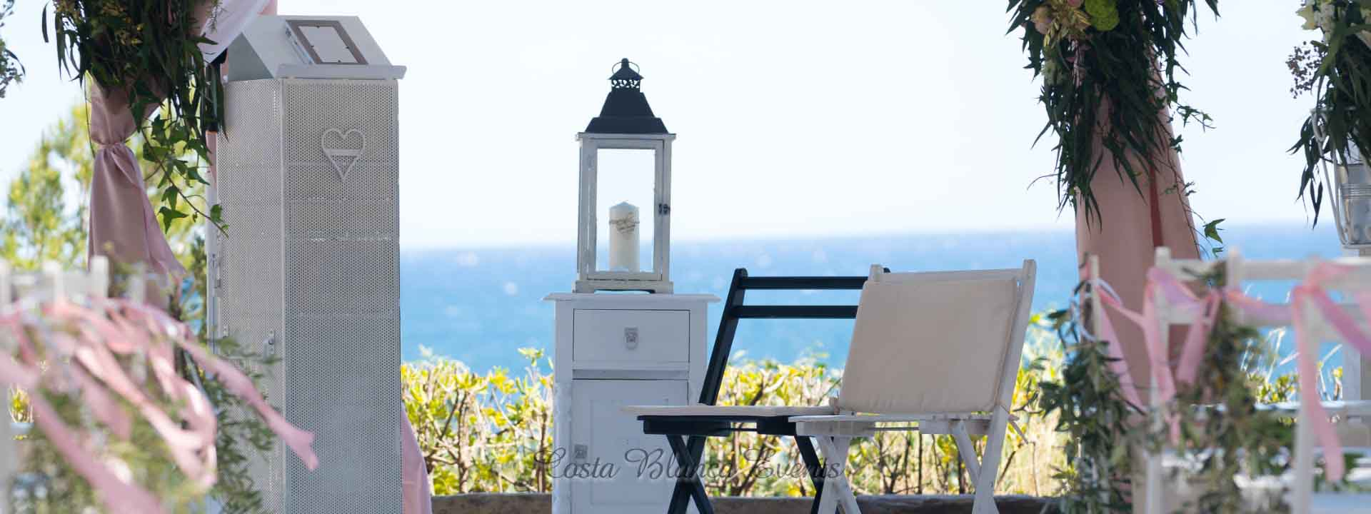 Small wedding packages in Spain - intimate wedding setting at seafront